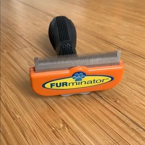 FURminator Deshedding Tool